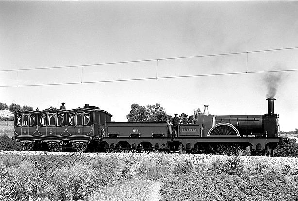 locomotiva d. luiz e carruagem d. maria pia