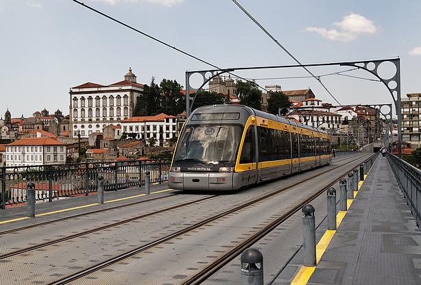 Neste dia, 7 de dezembro: Inauguração do metro do Porto