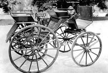primeiro automóvel movido a gasolina.
